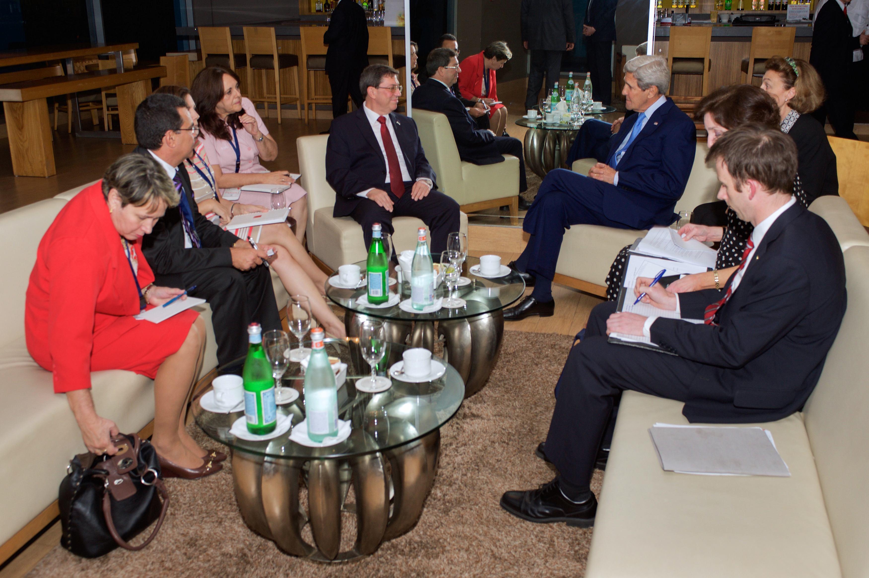 Официальная встреча глав МИД США и Кубы