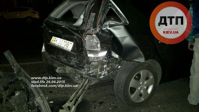 Прокурорский Infiniti разбил еще 4 иномарки