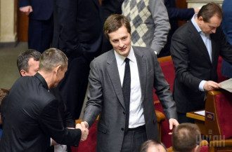 Нардеп от БПП и сын президента стал богаче на 10 миллионов гривень