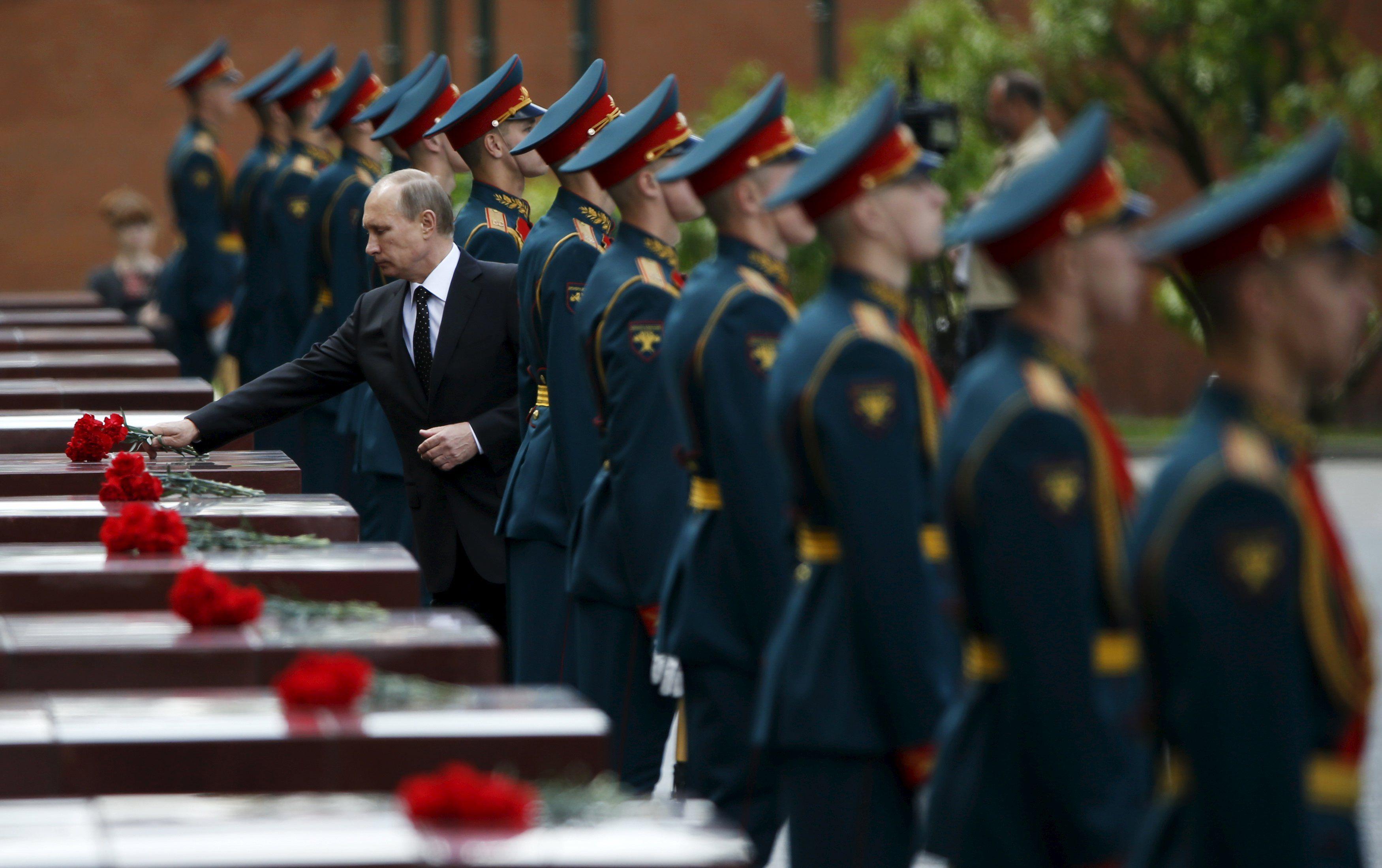 Путин на параде в Москве