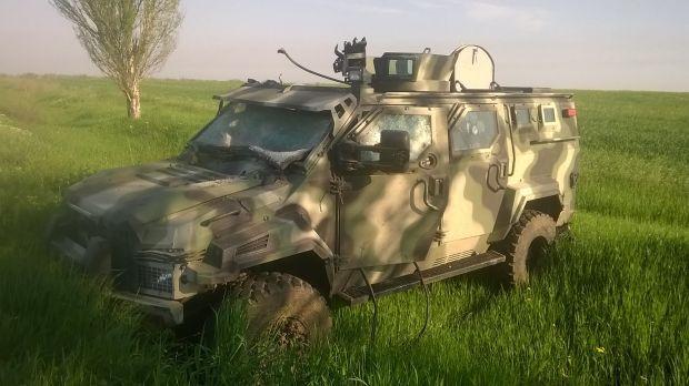 Бойцы АТО увели из-под носа оккупантов броневик