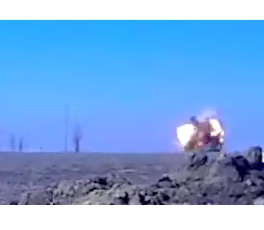 Запись уничтожения танка боевиков под Широкино