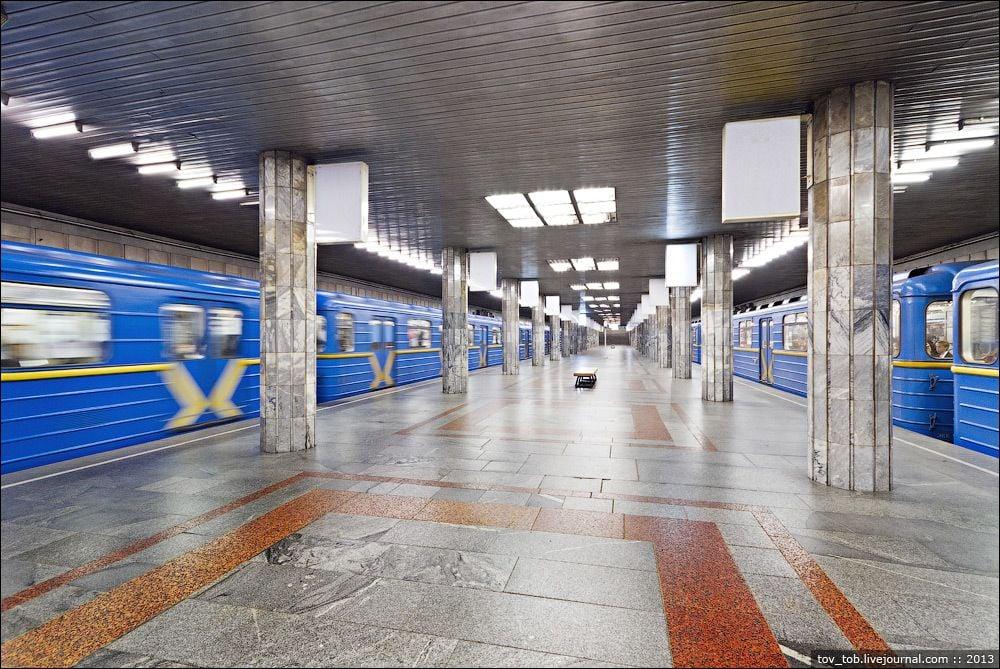 Работу метро продлят на три часа