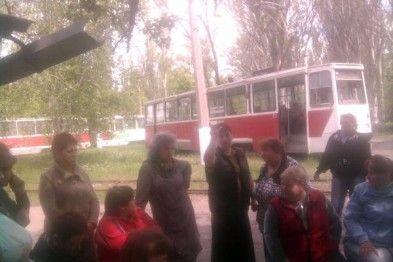В Енакиево бастуют водители трамваев