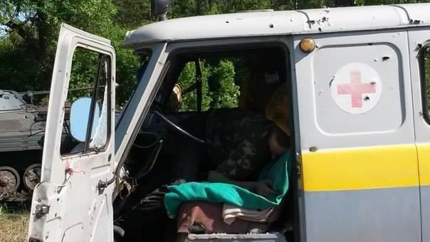 Обстрел боевиками медицинского авто, иллюстрация