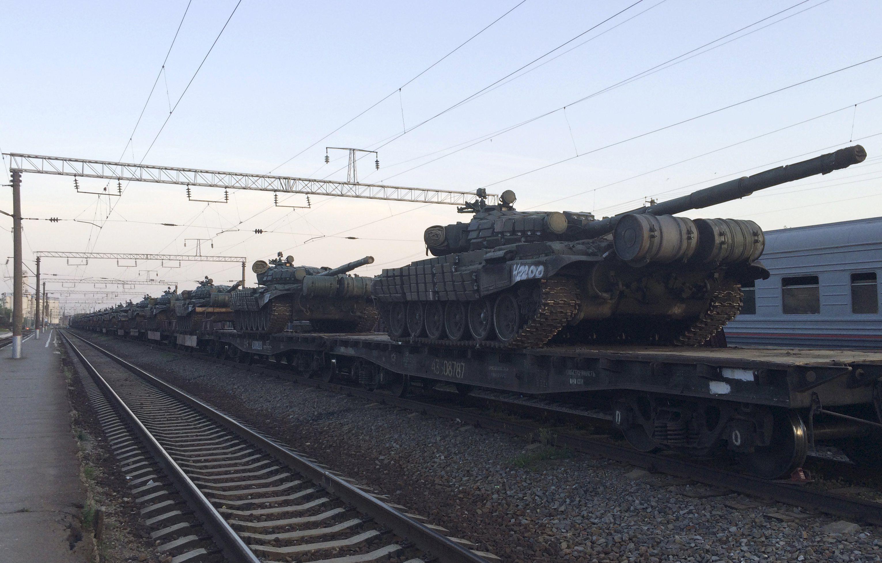 Эшелон с российскими танками