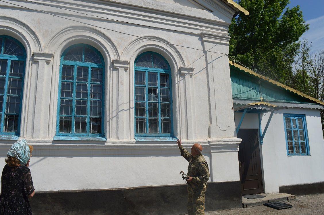 Накануне Троицы боевики обстреляли церковь