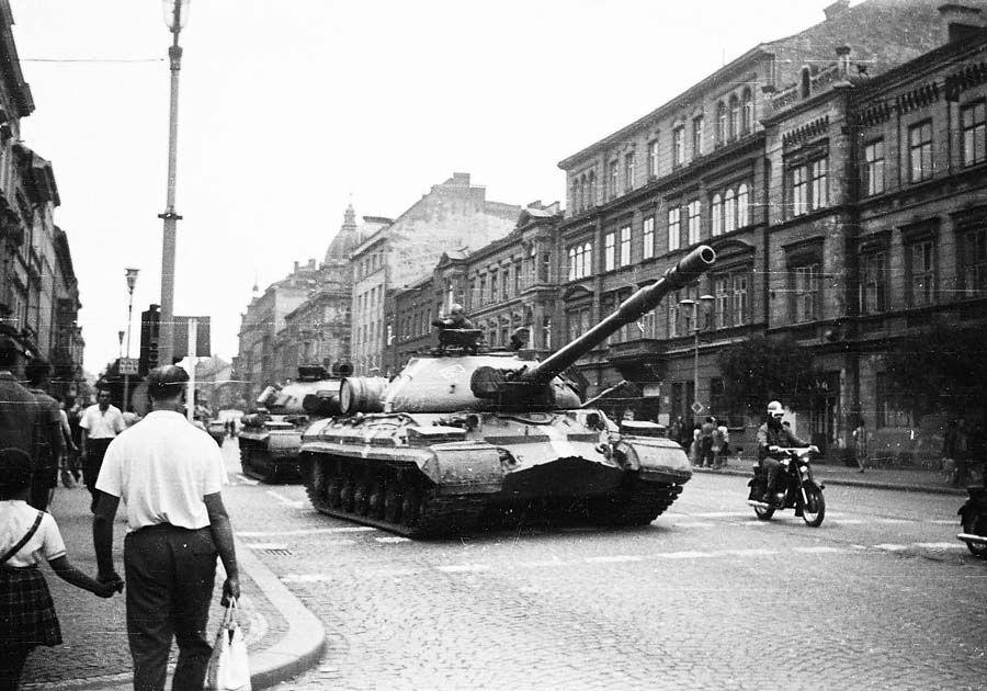 Советские танки в Праге
