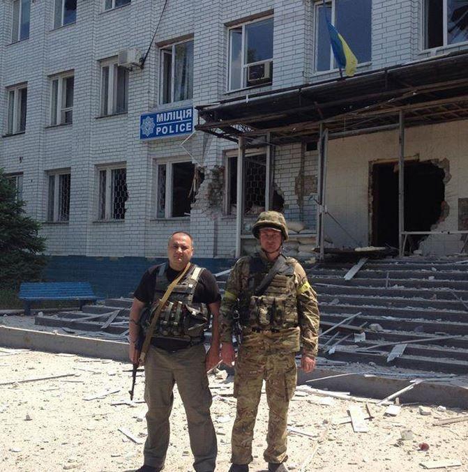 Марьинский райотдел, захваченный боевиками, снова отвоеван нашими войсками.