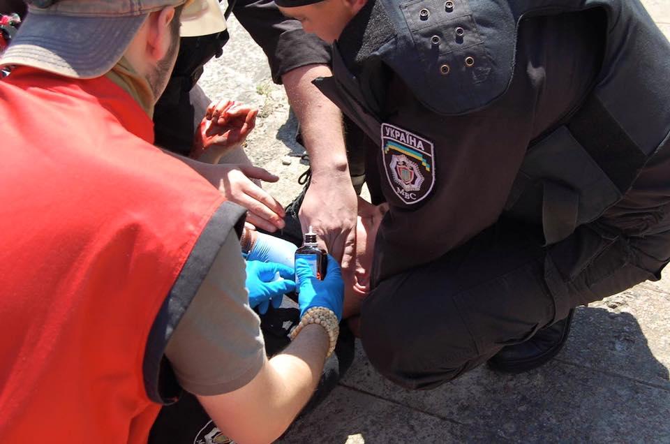 Раненый милиционер