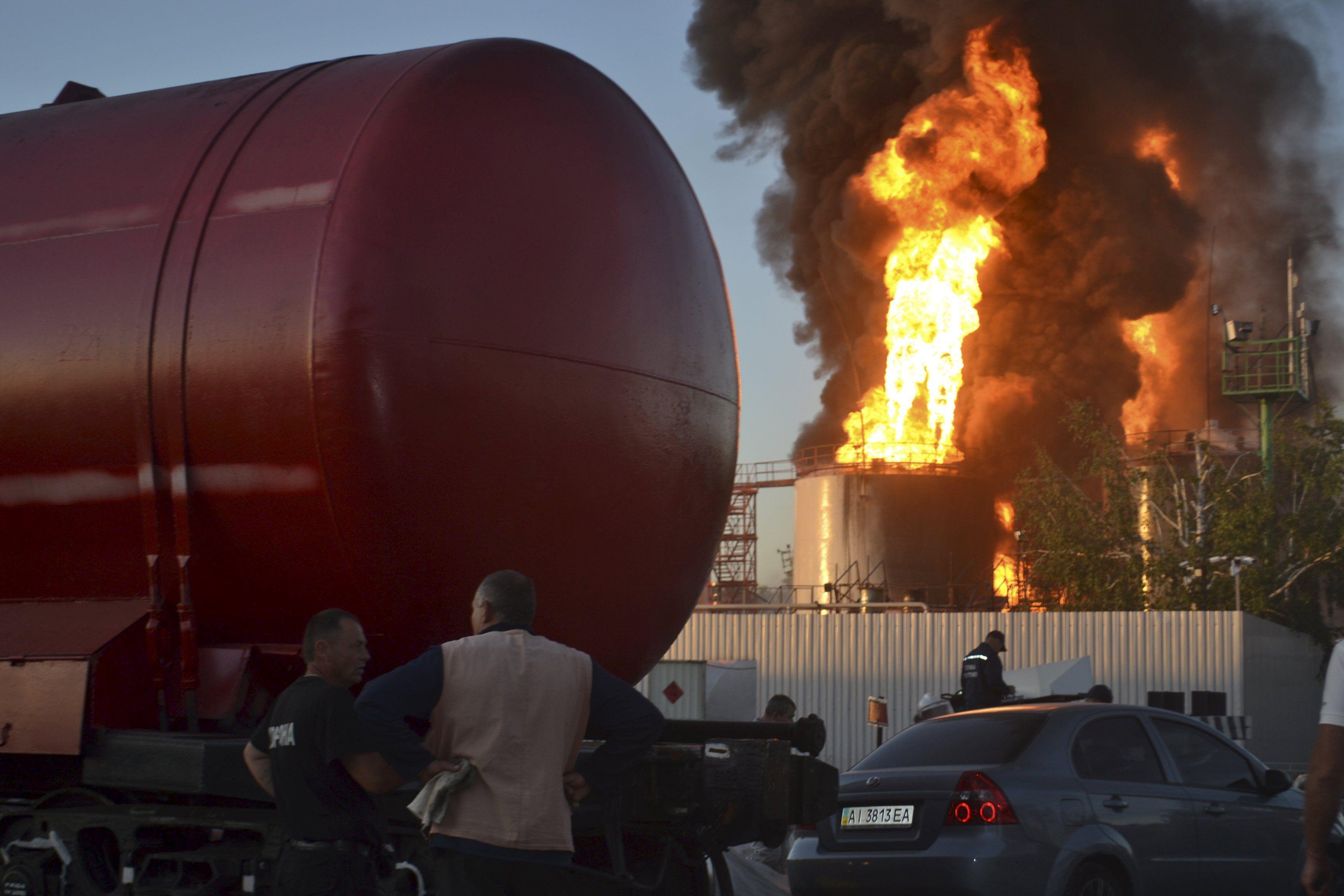 Пожар в Василькове, фото с места событий