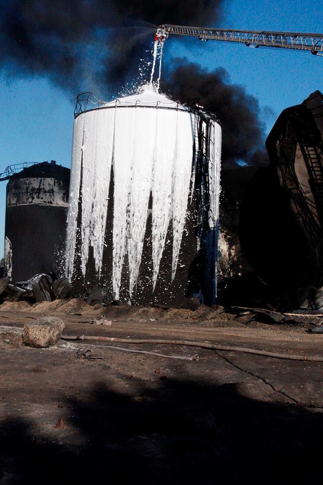 Пожар на нефтебазе под Киевом, иллюстрация