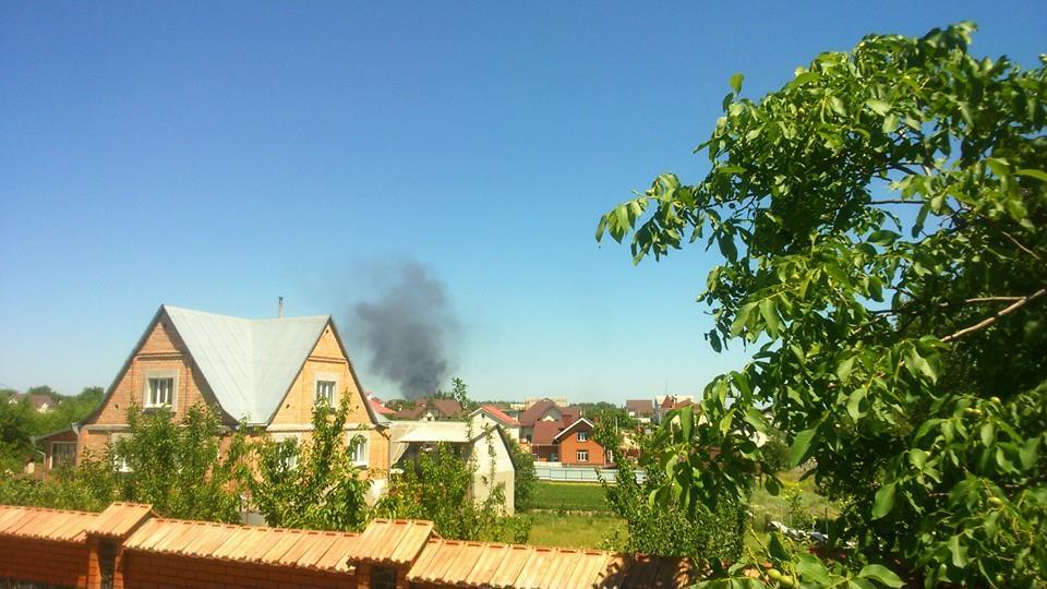 На нефтебазе снова начался пожар.