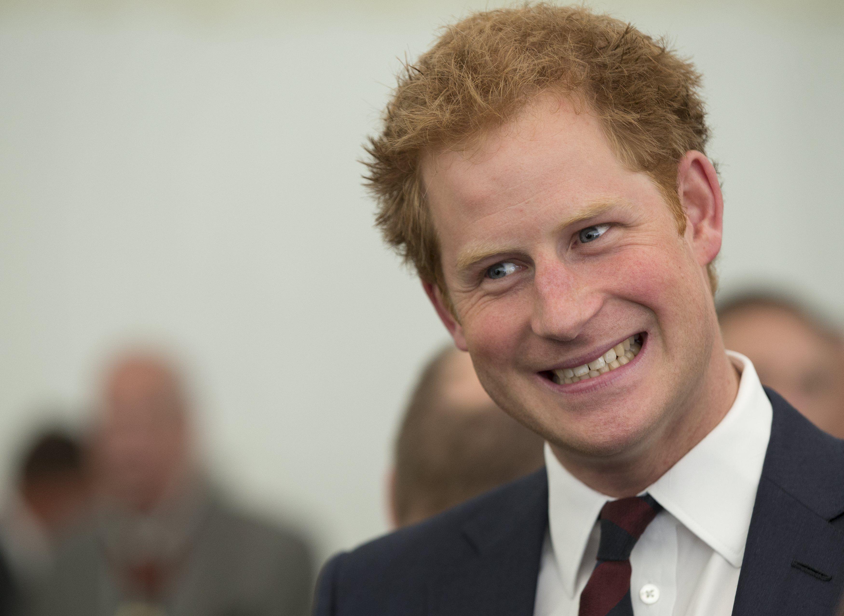Принц Гаррі просить грошей у тата