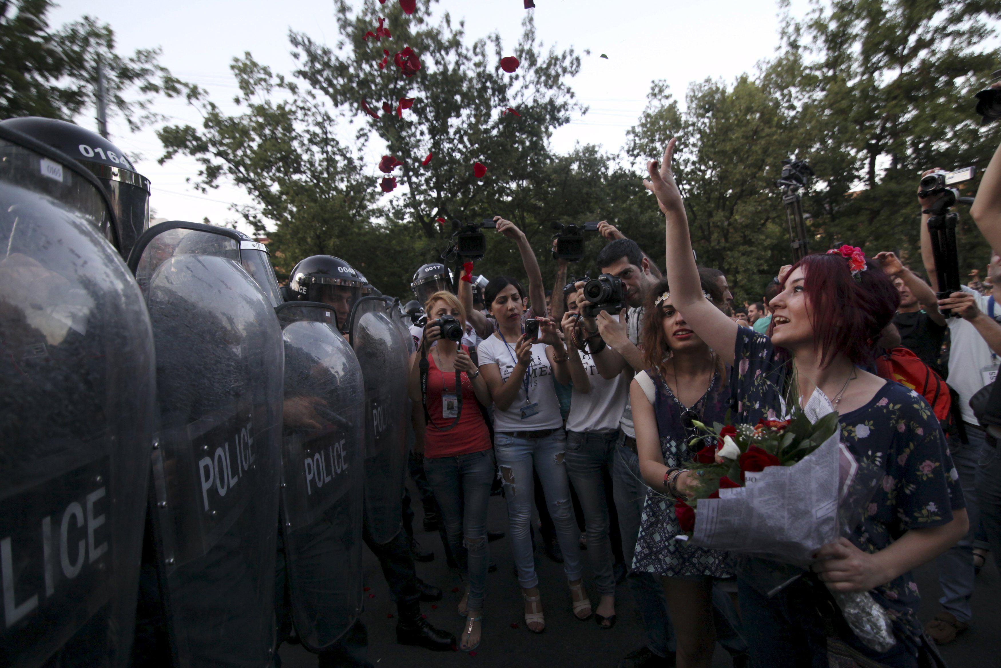 Разгон акции в Ереване