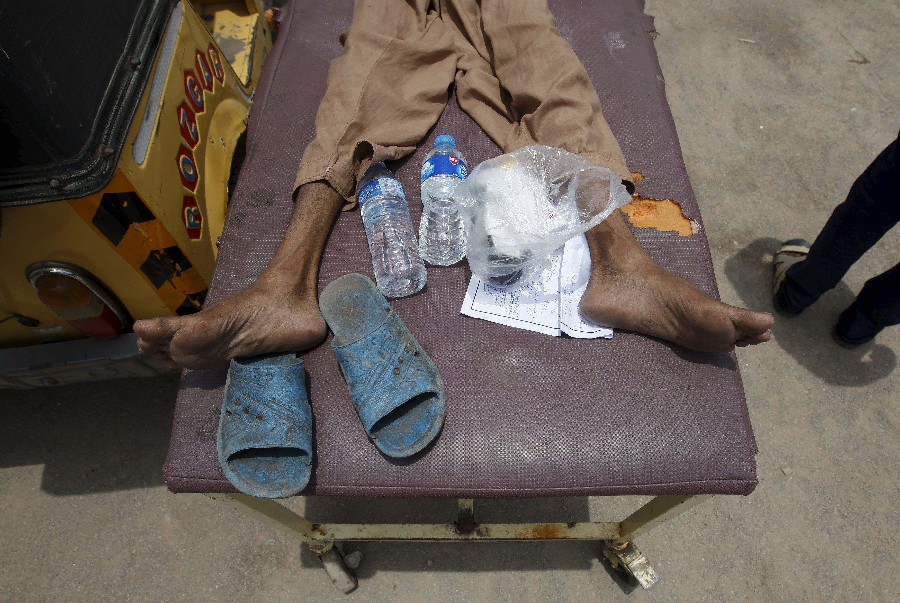 Жертва жары в Пакистане