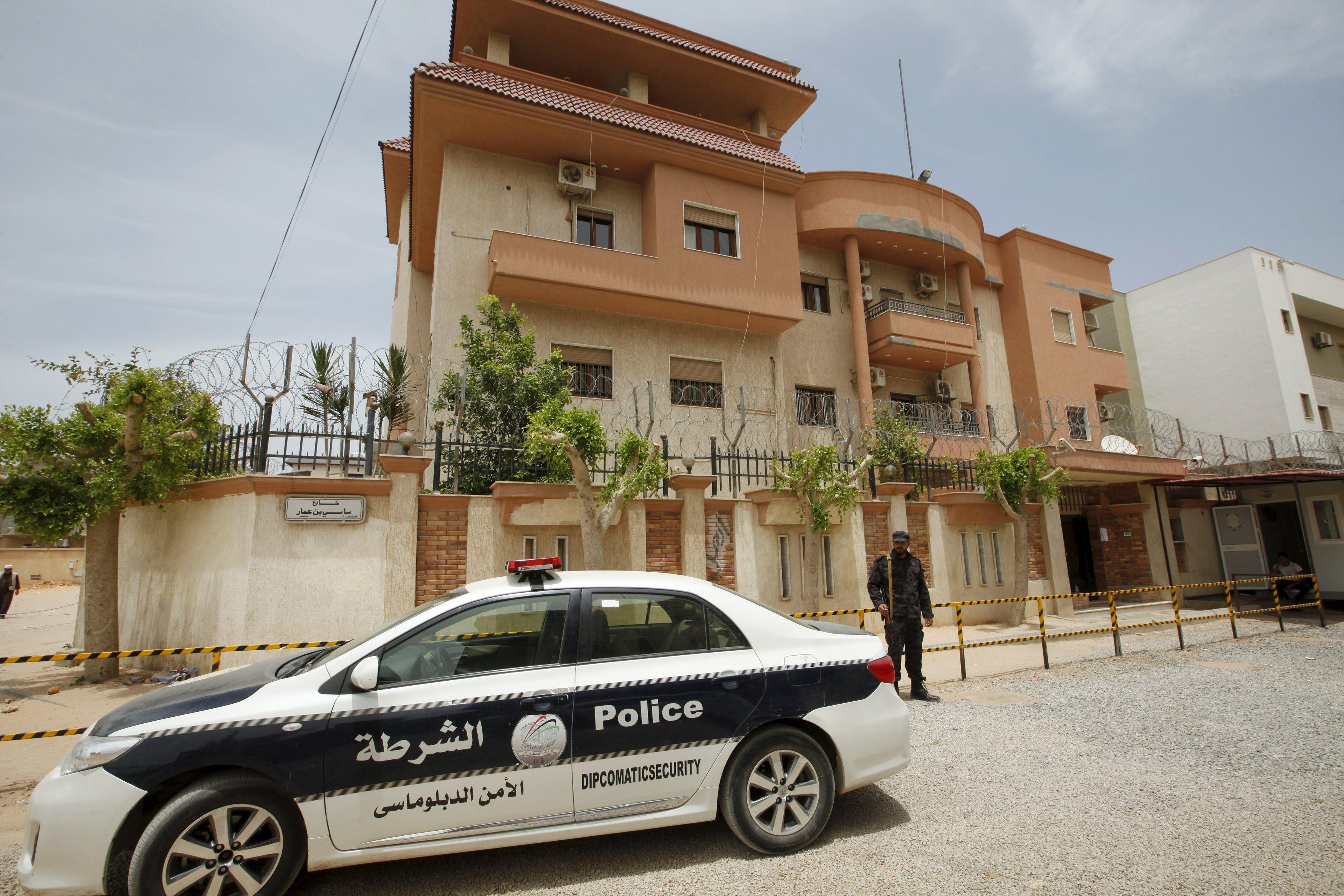 Тунисские правоохранители, иллюстрация