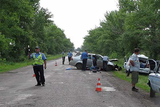 На Луганщине столкнулись две иномарки