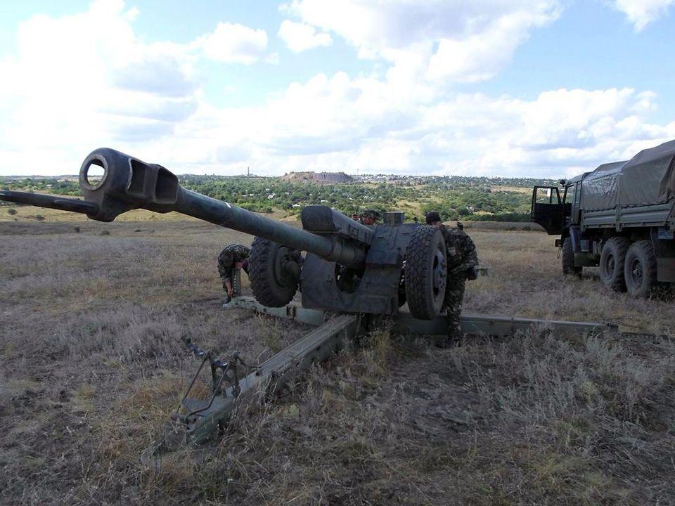 Вражеская артиллерия на Донбассе