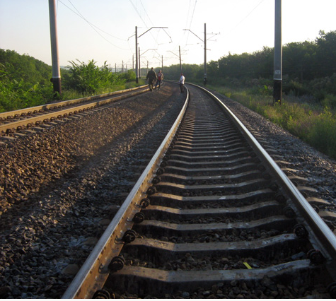 Поез,железная дорога,сбил