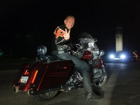 Швайка на подаренном Harley-Davidson