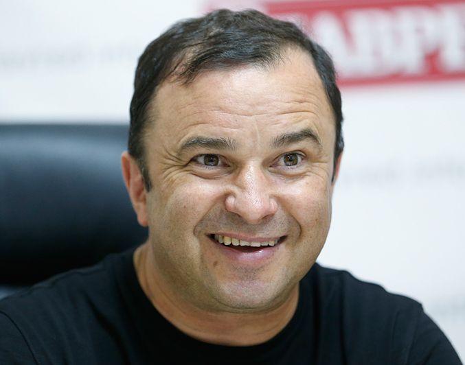 Виктор Павлик — Виктор Павлик позировал в Греции с Екатериной Репяховой