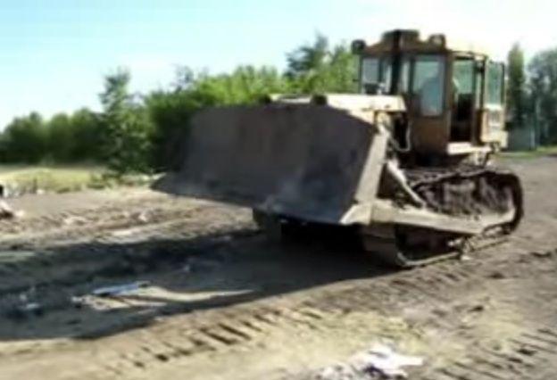 Трактором уничтожили три тушки гусей из Венгрии