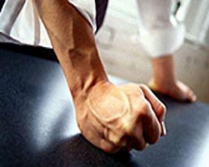 Психолог посоветовала, что для прекращения семейных ссор оппонента нужно возвращать в реальность