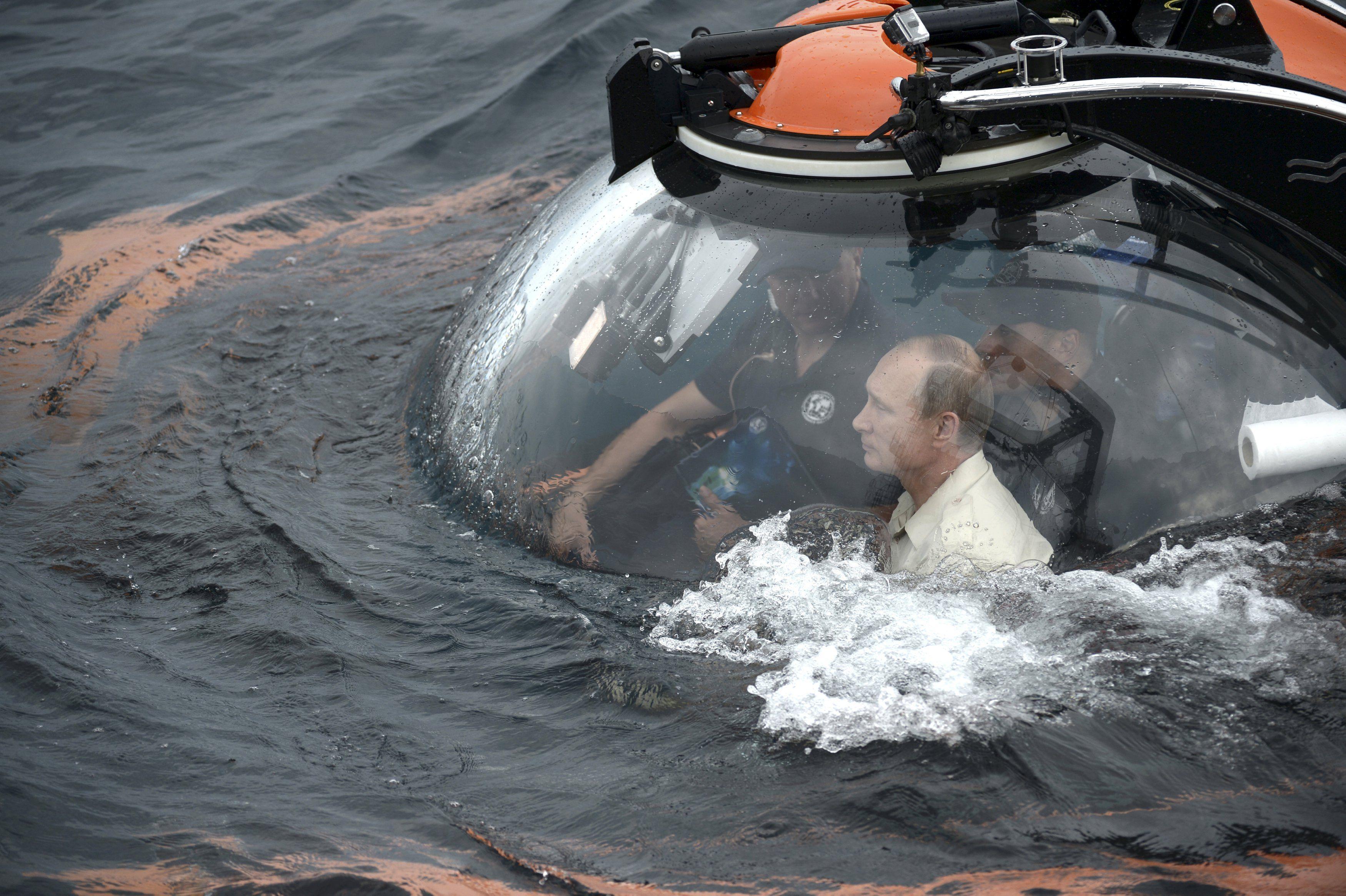 Путин, Крым, батискаф, море