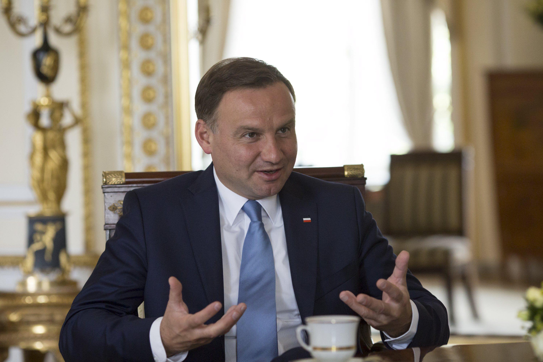Президент Польши Анджей Дуда направил утвержденный Сеймом закон на рассмотрение Конституционного суда
