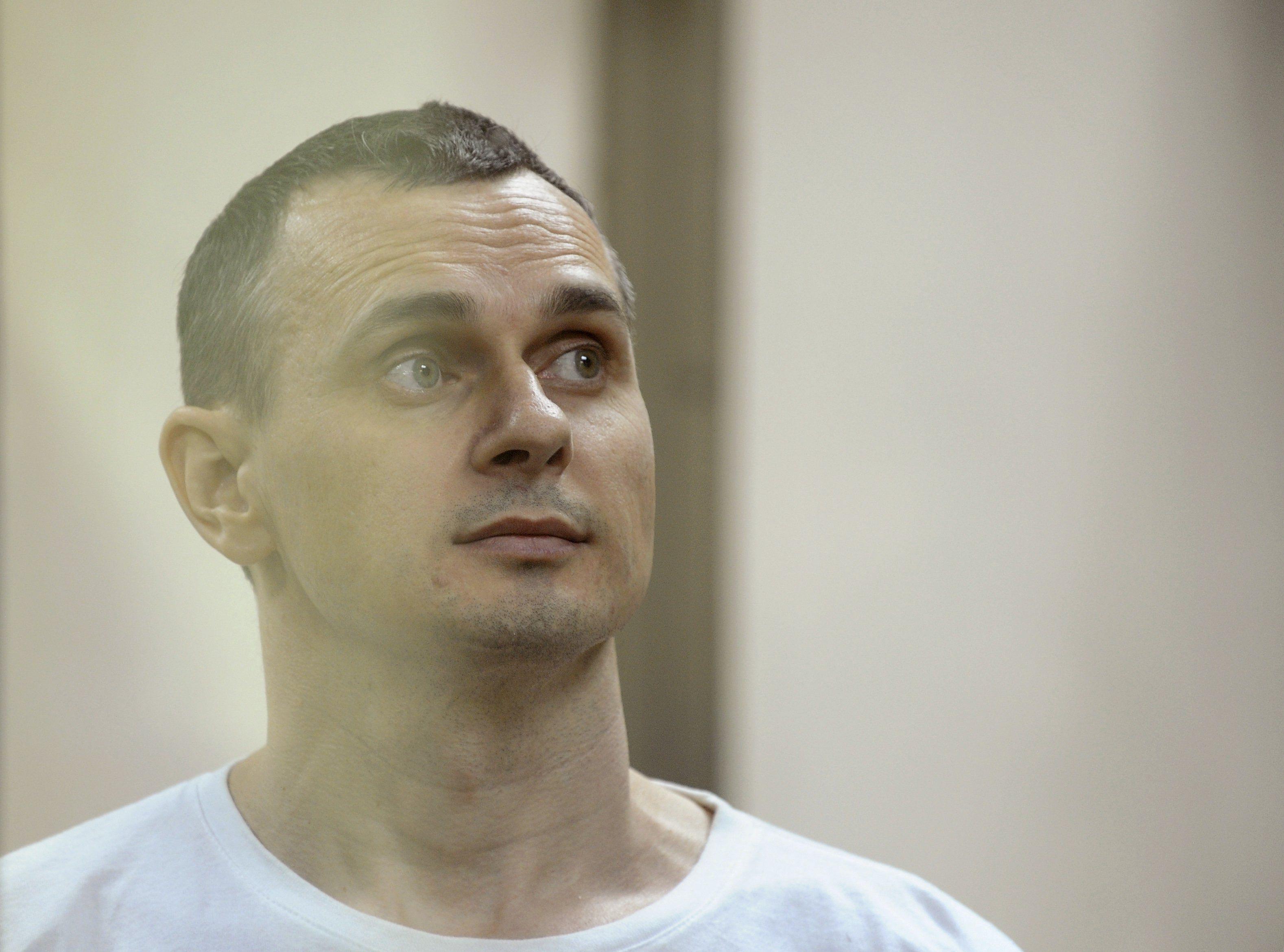 Адвокат Олега Сенцова сообщил, что у режиссера есть проблемы с сердцем, печенью и почками