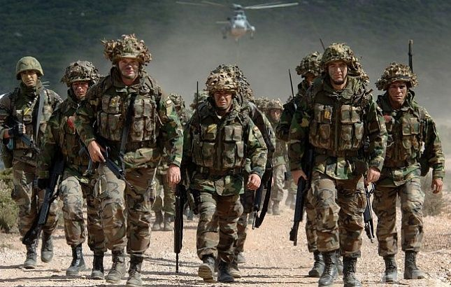 Военные НАТО, иллюстрация