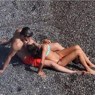 Ирина Шейк и Брэдли Купер устроили себе романтические каникулы.