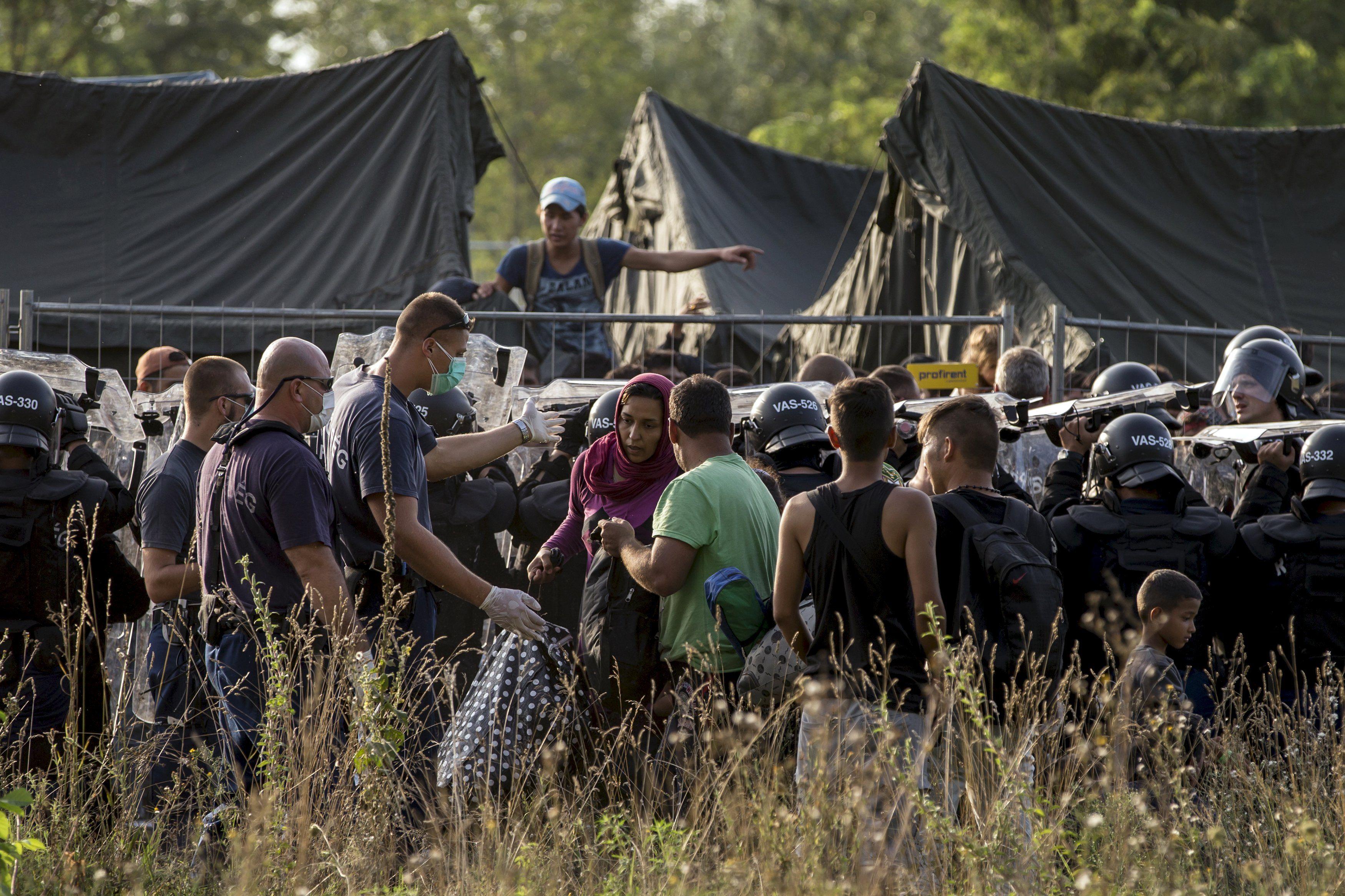 Мігранти, біженці, Євросоюз