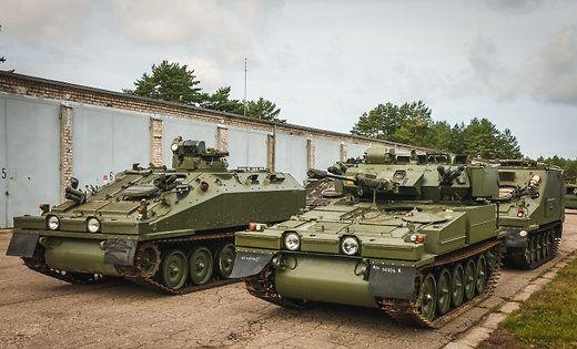 В Латвию прибыли британские бронетранспортеры