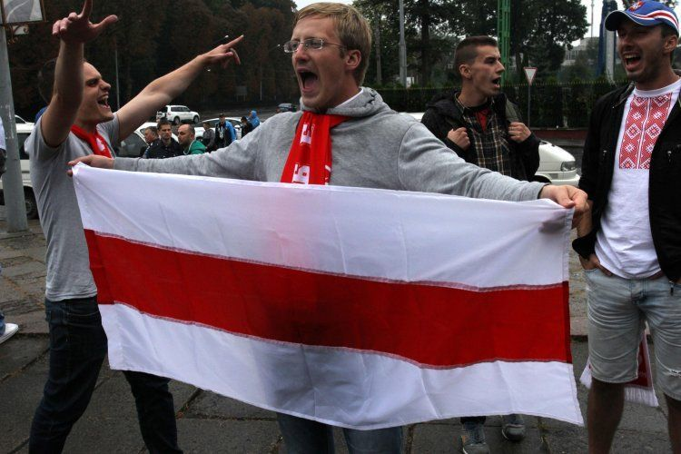 Марш украинских и белорусских фанов во Львове