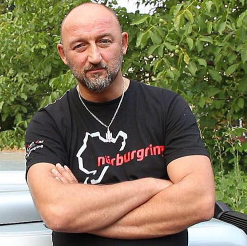 Волонтер Алексей Мочанов сообщил, что Владимир Арьев давно пытался ему