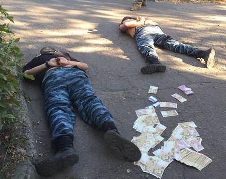 В Славянске задержали милиционеров-взяточников