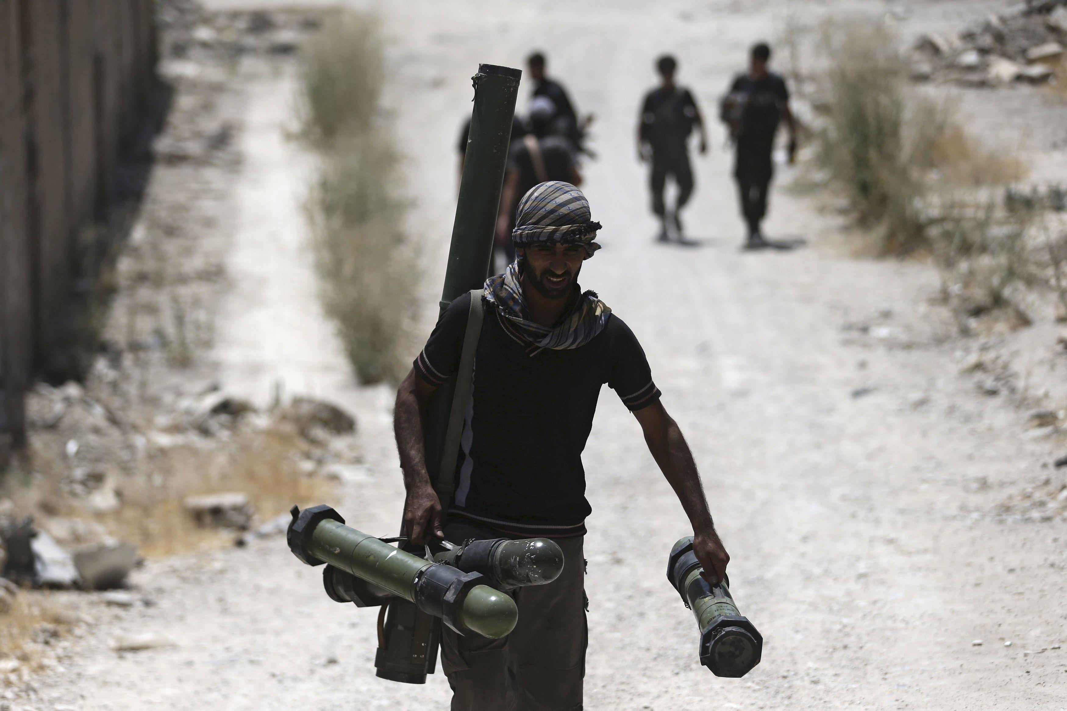 В Сирии самолеты РФ уже бомбят позиции исламистов