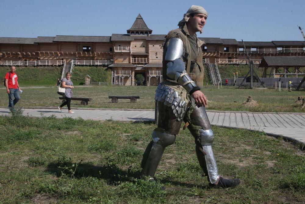 Под Киевом состоялся исторический бой на мечах: опубликованы фото