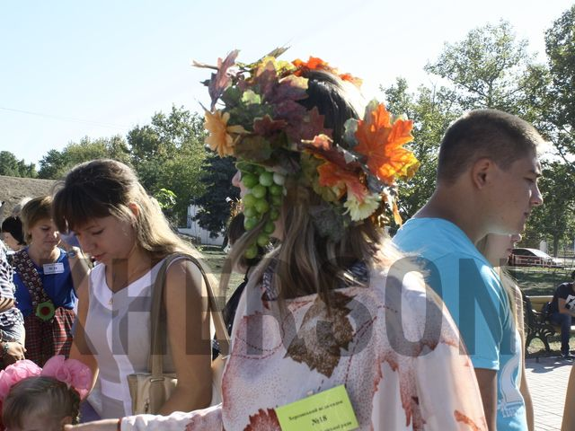 Новый фейк росТВ: на параде грудничков в Херсоне коляски карапузов переоборудовали в танки ВСУ