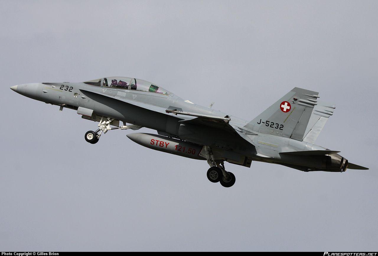 Истребитель ВВС Швейцарии F/A-18