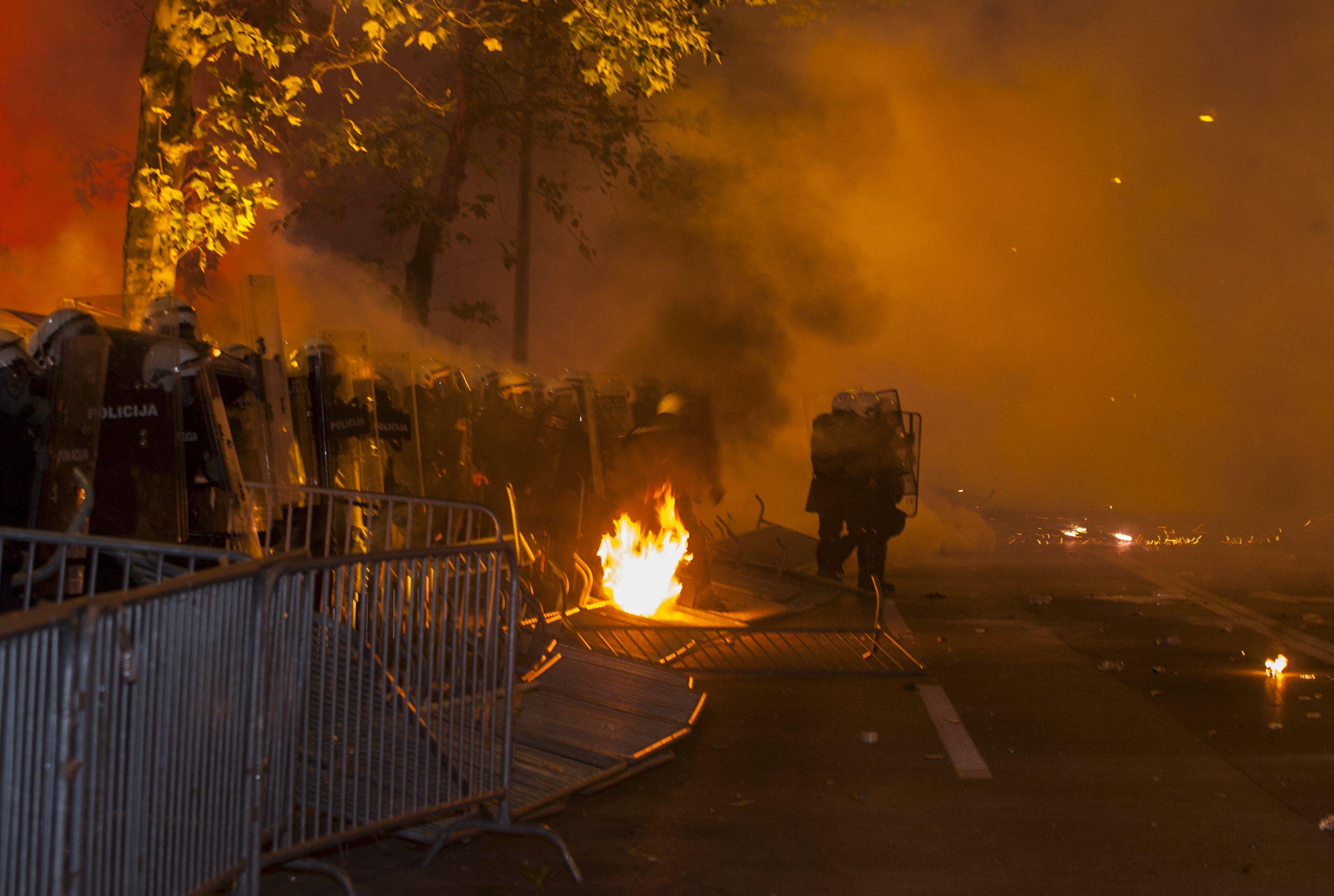 Протесты в Черногории, иллюстрация.