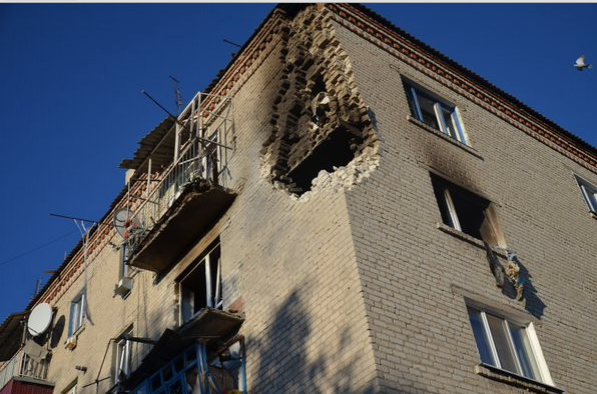 Последствия пожара и взрывов на складе вооружения в Сватово