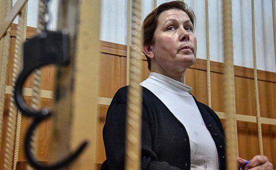 Наталья Шарина в зале суда