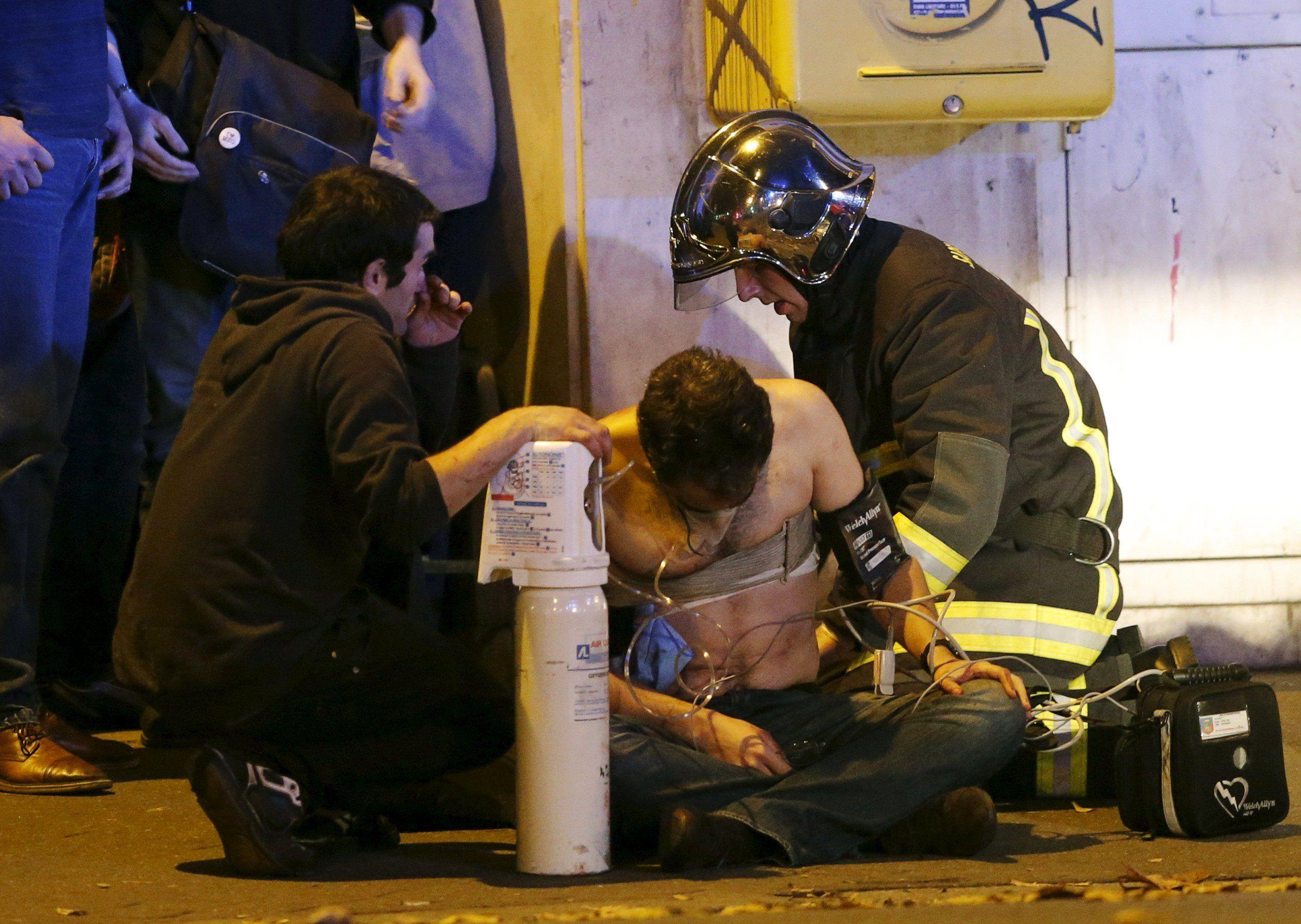 Последствия теракта в Париже, иллюстрация