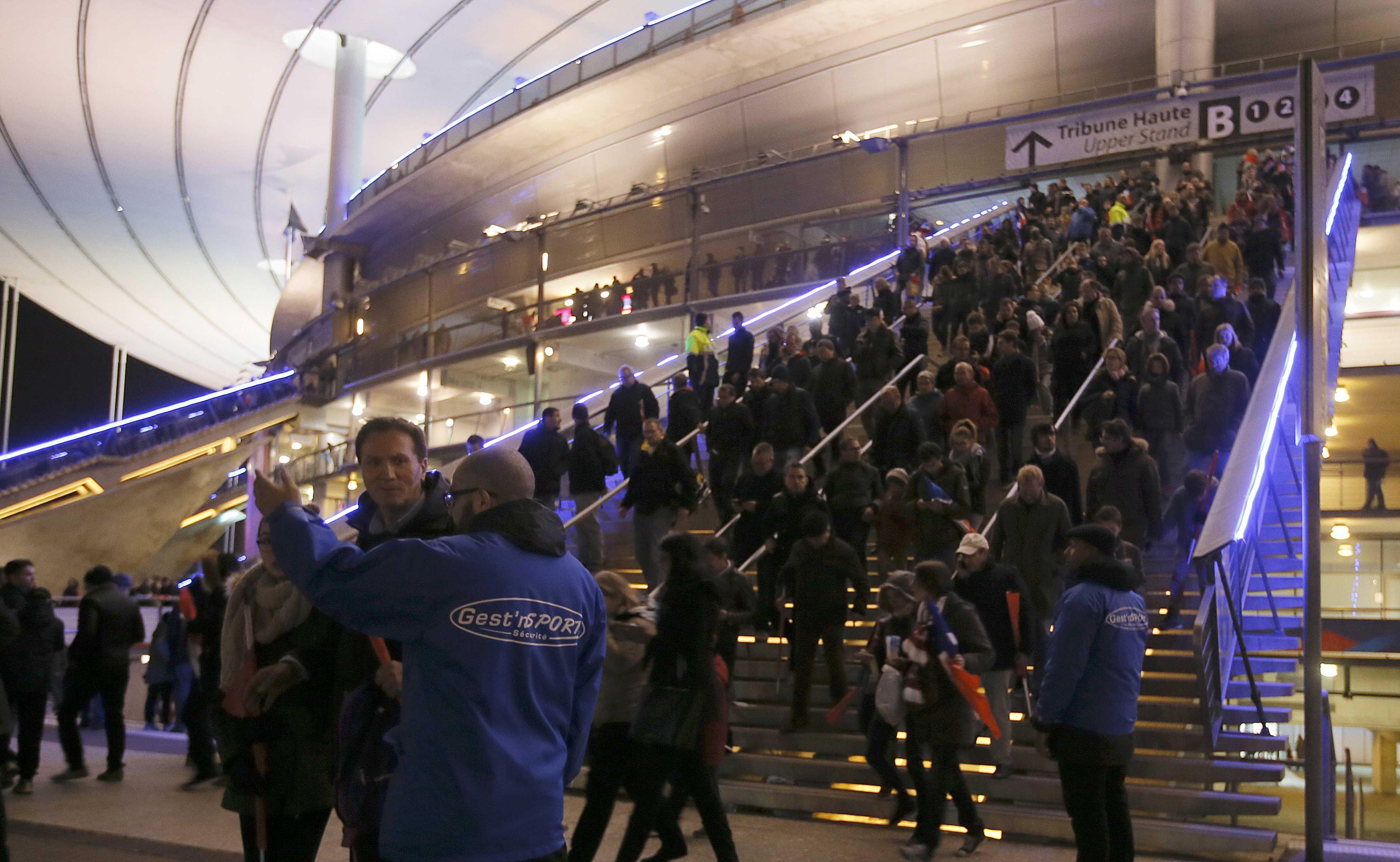 Названо уточненное число жертв терактов в Париже