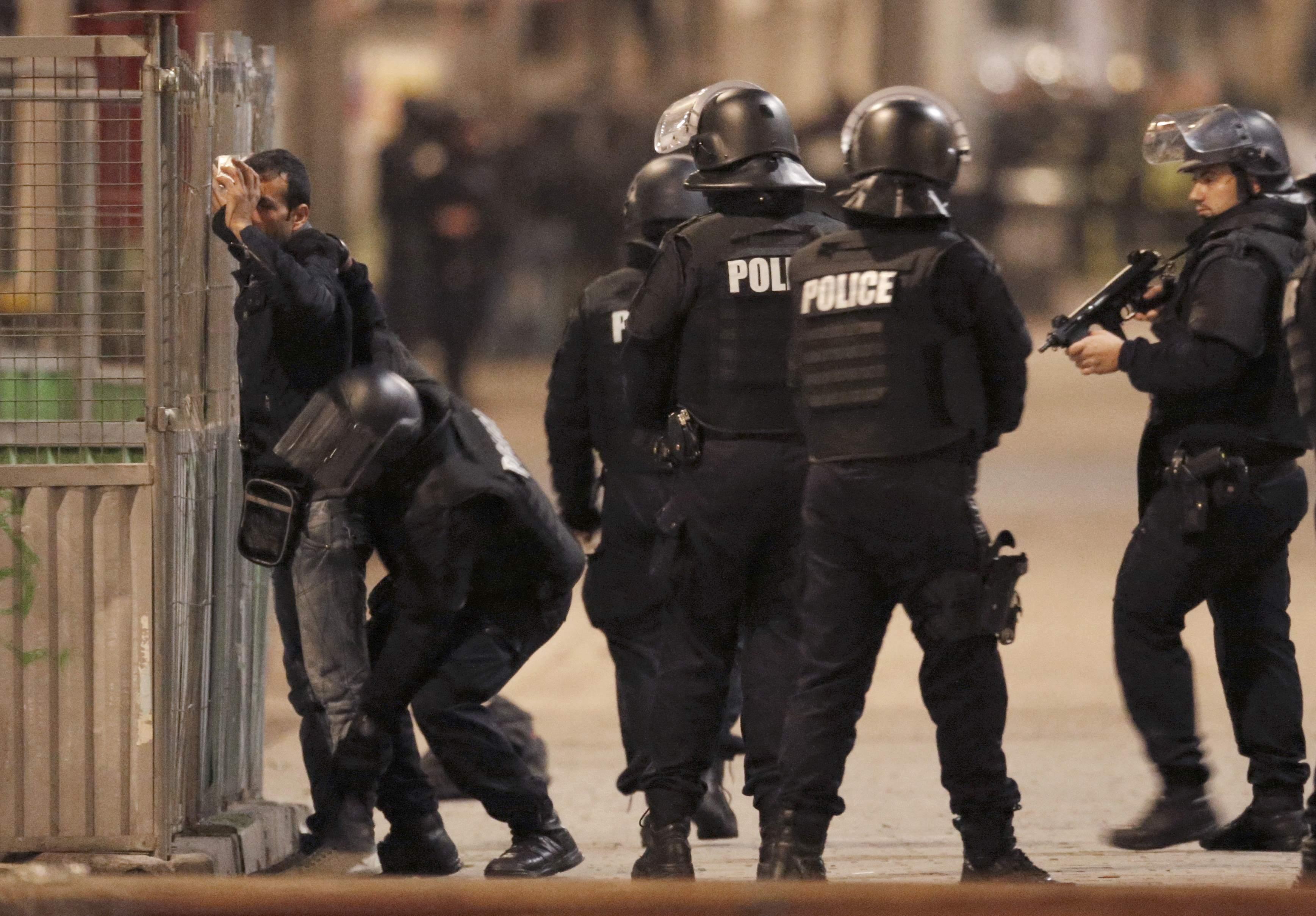 Французские полицейские, иллюстрация