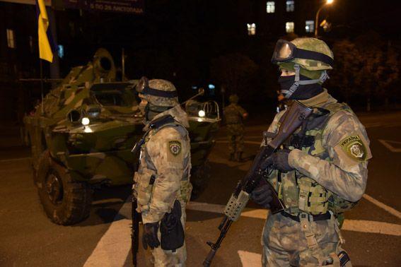 Силовики на улицах Мариуполя
