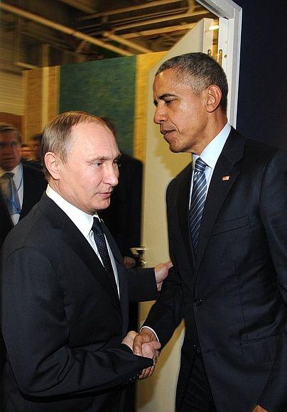 Владимир Путин и Владимир Путин ни с того ни с сего позвонил президенту США Барак Обама